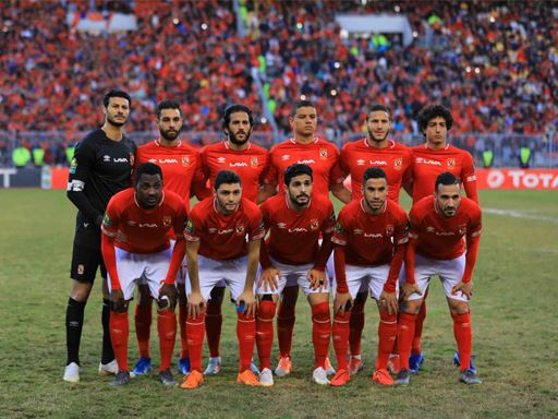 الفريق الاول لكرة القدم