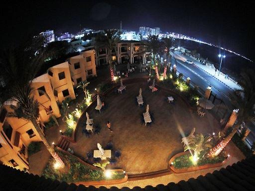 بالفيديو والصور.. شاهد منتجع الأهلي في مرسى مطروح