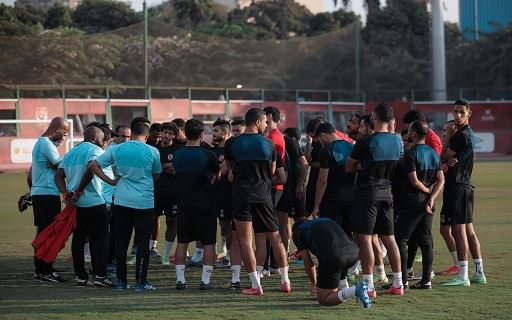 مران الأهلي| موسيماني يجتمع باللاعبين قبل انطلاق التدريبات