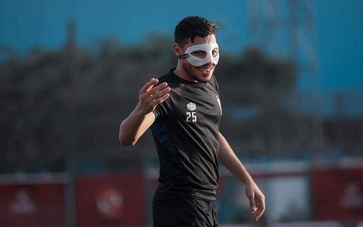 مران الأهلي| أكرم توفيق يشارك في التدريبات بـ«واقي الوجه»